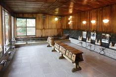 殿方大浴場 (総檜風呂)